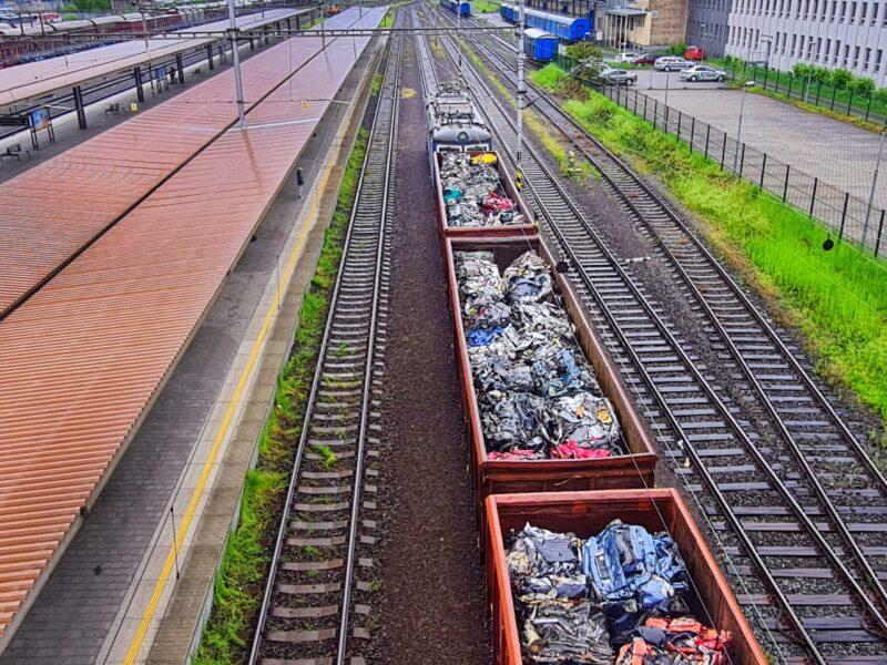 vlak se šrotem 1_20210522_113206-02