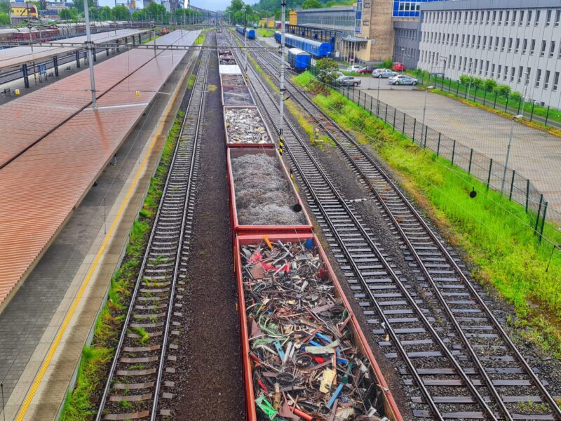 vlak se šrotem 2_20210522_113326-03